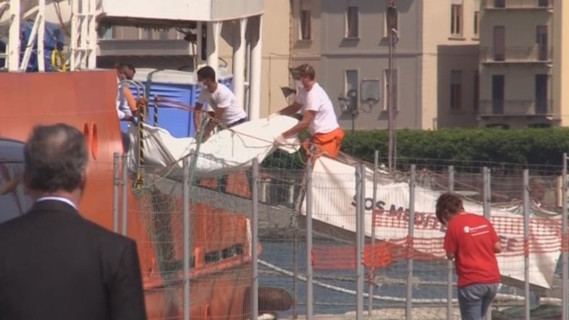 Bodies of 22 migrants arrive in Sicily
