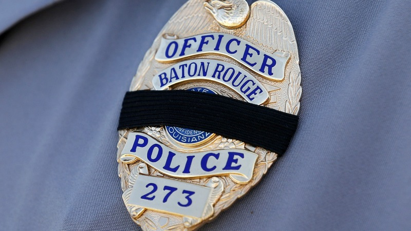 Baton Rouge police chief blasts media at funeral