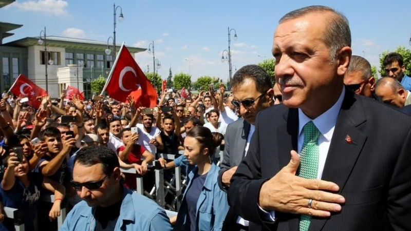 Erdogan steps up war of words with West