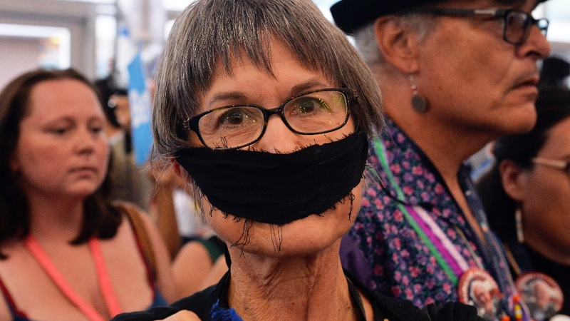INSIGHT: Bernie Sanders supporters 'occupy' DNC