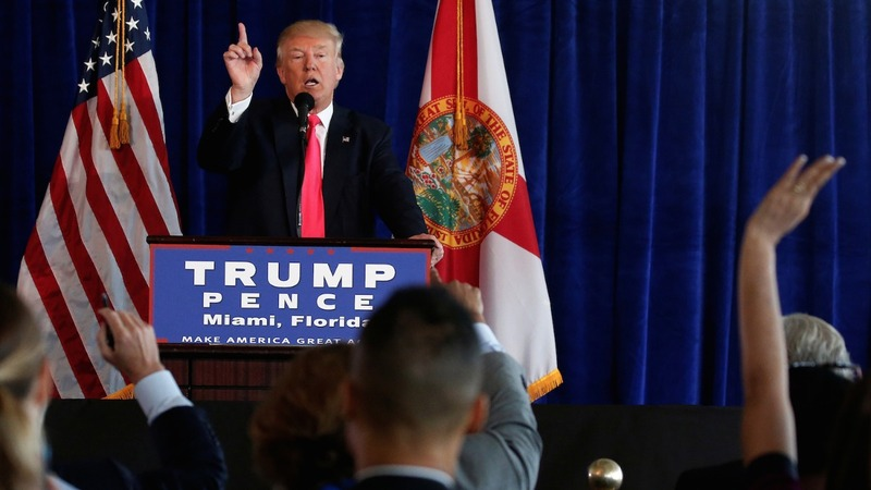 Trump challenges Russia to find Clinton emails