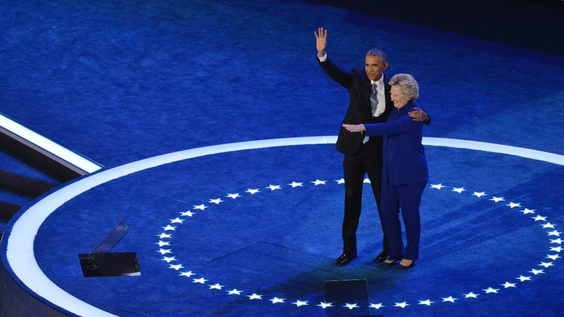 Obama makes powerful, personal case for Clinton
