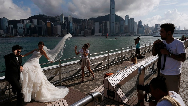 Hong Kong: Wedding shoots before saying 'I do'