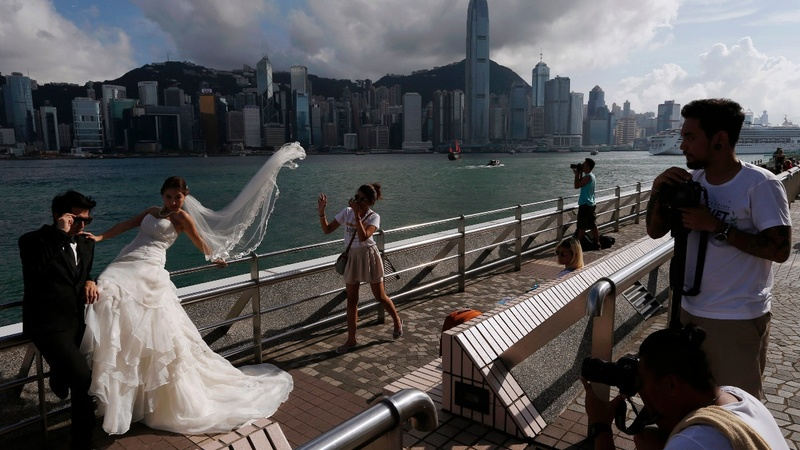 Hong Kong: Wedding shoots before saying 'I do'