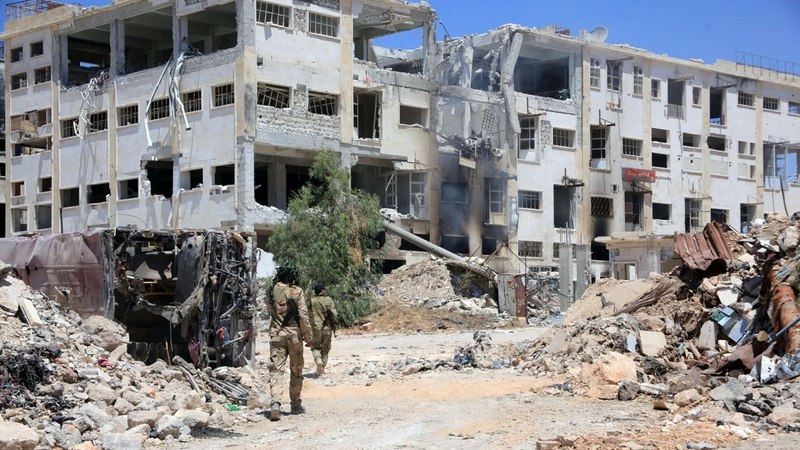 Civilians leave besieged Aleppo