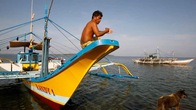 China threatens foreign fishermen with jail time