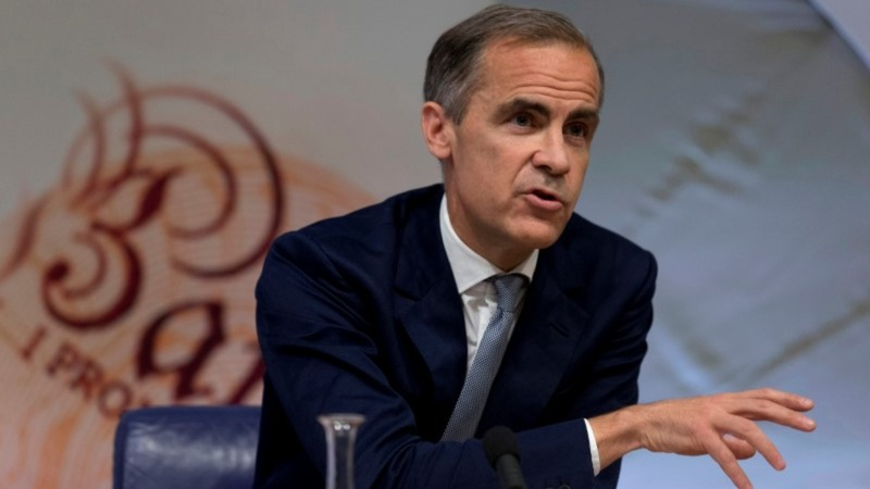 Economists ask if rate cut, QE will boost UK