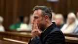 Pistorius treated for minor wrist injuries