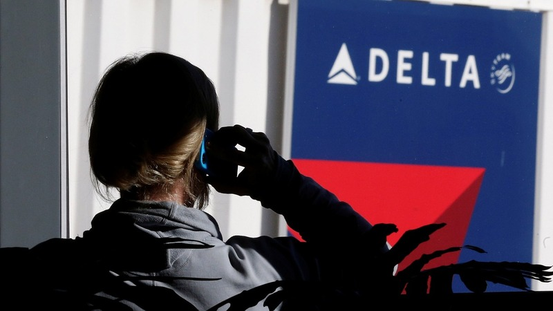 Delta resumes flights after worldwide stoppage