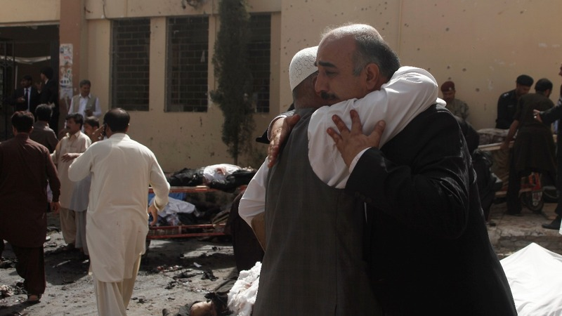 Pakistan hospital bomb attack kills 70