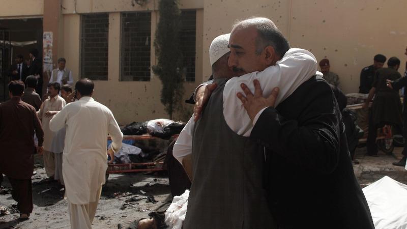 Pakistan hospital bomb attack kills 70