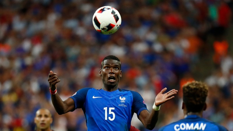 Manchester United pay record fee for Pogba