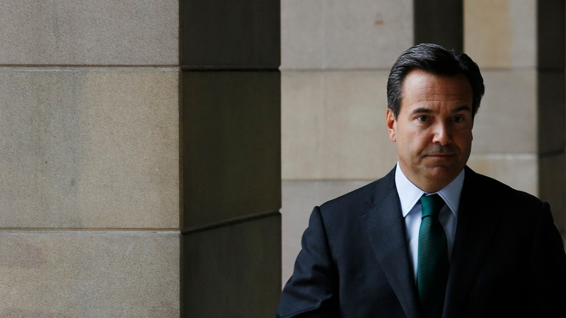Lloyds investors fret over CEO's future