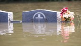 Louisiana floods kill at least 5; thousands flee