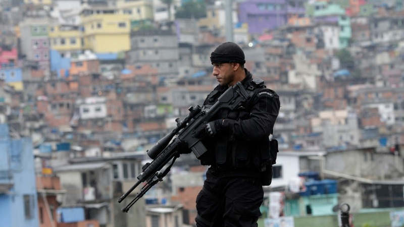 Rio's biggest 'pacified' slum back at war