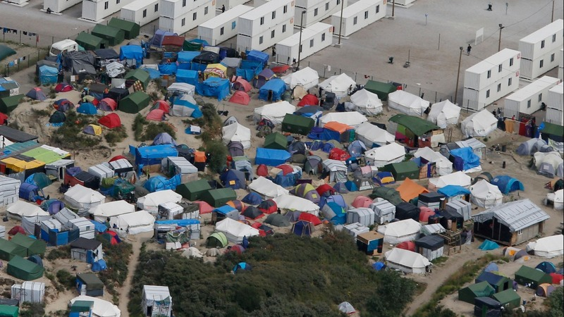 UK officials tour Calais 'jungle' post-Brexit
