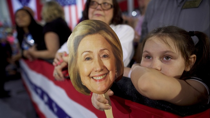 Clinton would win if vote were held today: poll