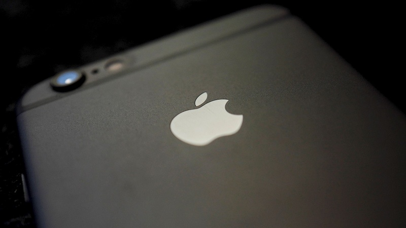 Apple fixes flaw after dissident targeted