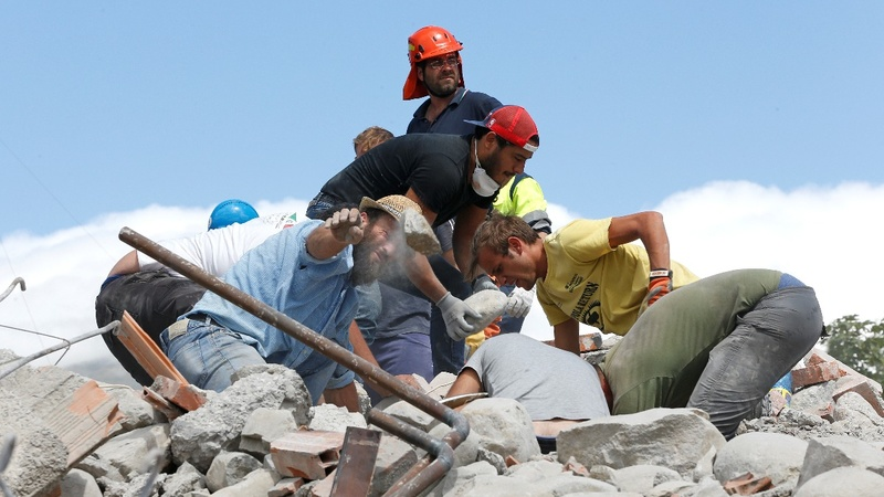 Italy quake rescue continues as toll hits 250