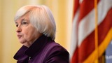 Yellen sees stronger case for rate hike