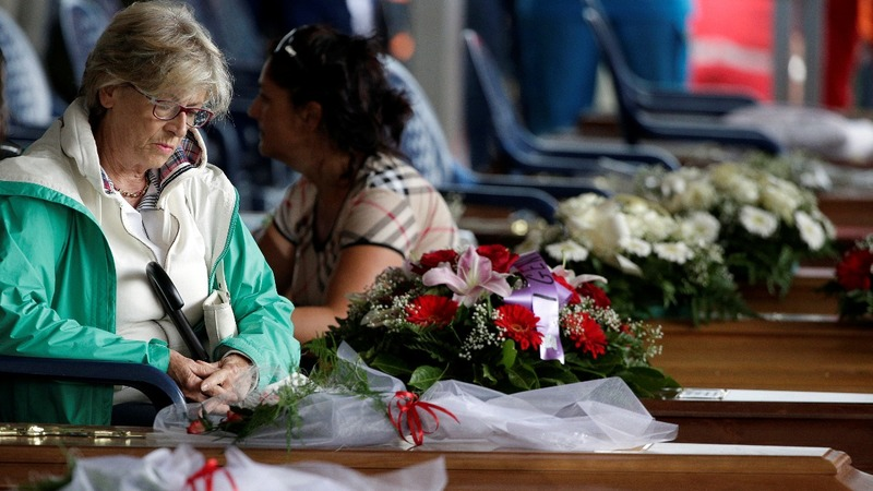 Mass funeral for Italy earthquake victims