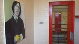 Reading jail toasts former inmate Oscar Wilde