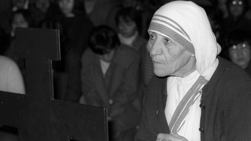 Mother Teresa sanctified by the Pope