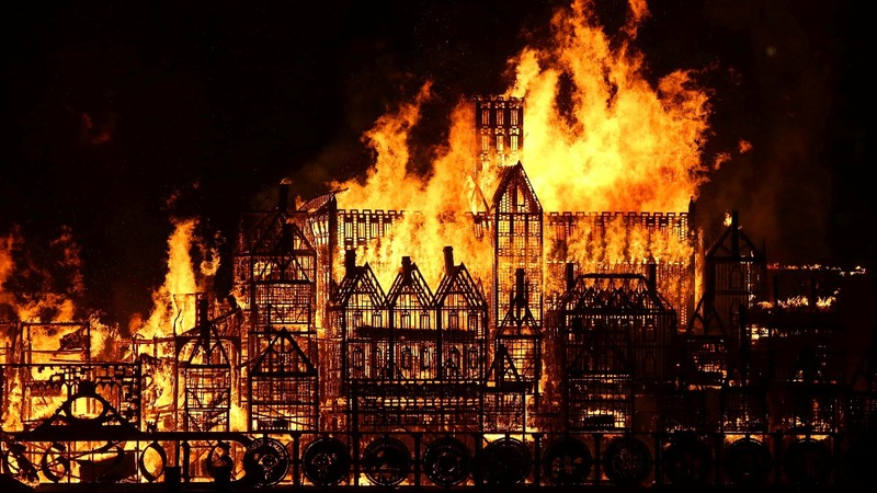 INSIGHT: London burns 350 years after Great Fire