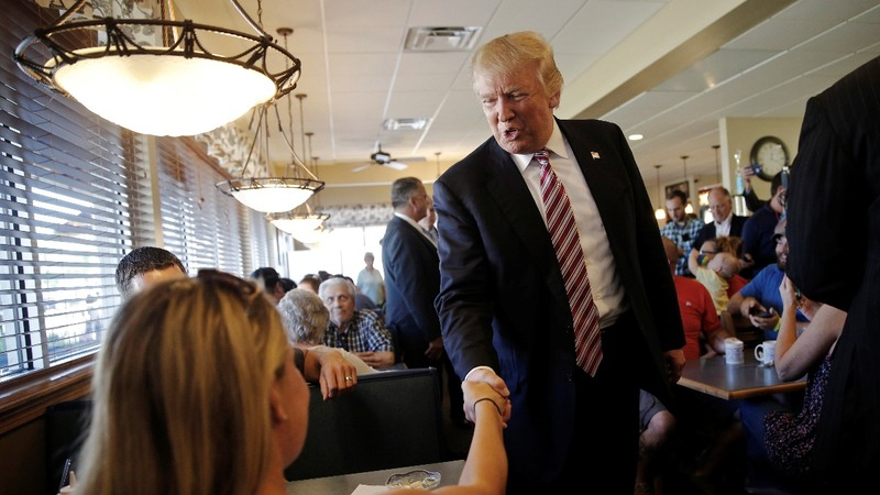 Presidential race's final stretch begins in swing states
