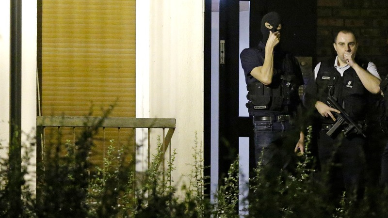 Female trio planned attack on Paris station