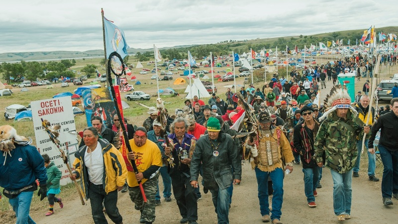 U.S. steps in to stop Dakota pipeline after ruling