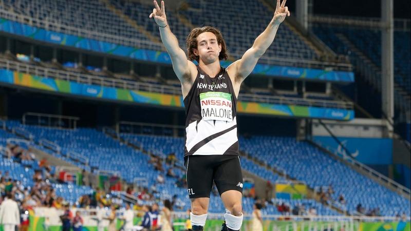 Paralympic 'blade runner' beats Pistorius record