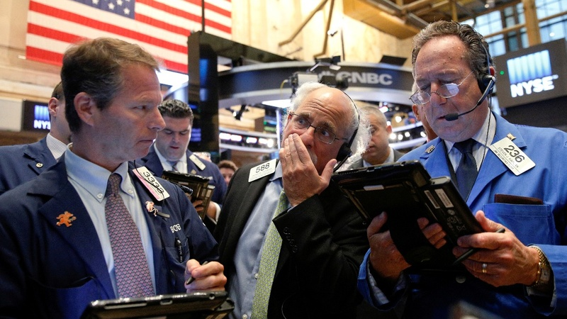 Stocks nosedive as global interest rates rise