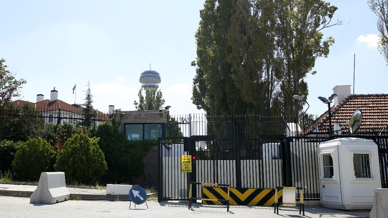 I.S. attack threat closes embassies in Turkey