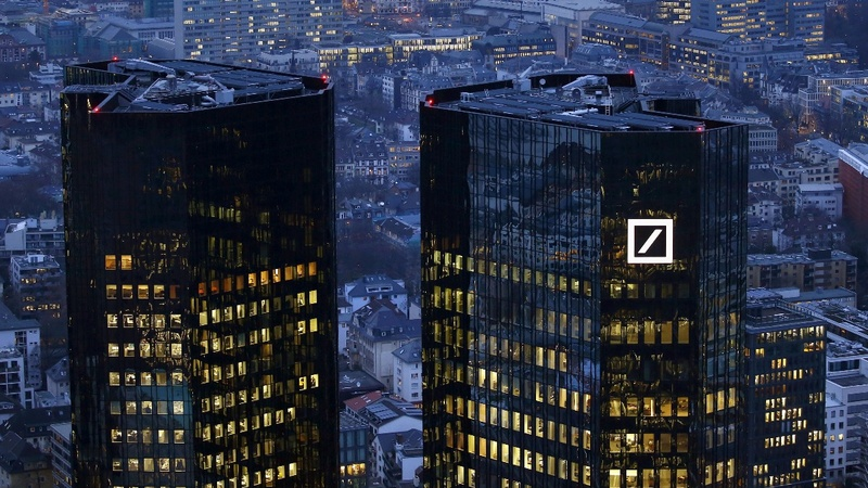 Deutsche Bank, Wells Fargo: banks back in the hot seat