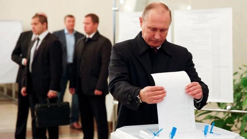 Pro-Putin party dominates Russia election