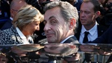 Sarkozy in Calais but not in the camp