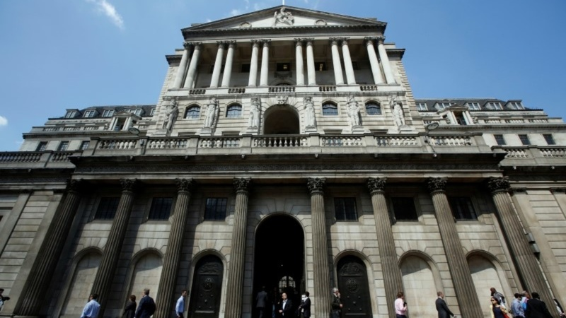 BOE keeps UK banks on naughty step