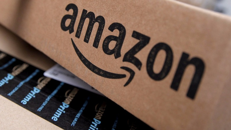 Amazon shares soar past $800 for the first time