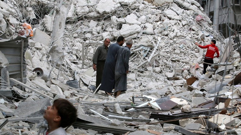 Air strikes cut off Aleppo from water