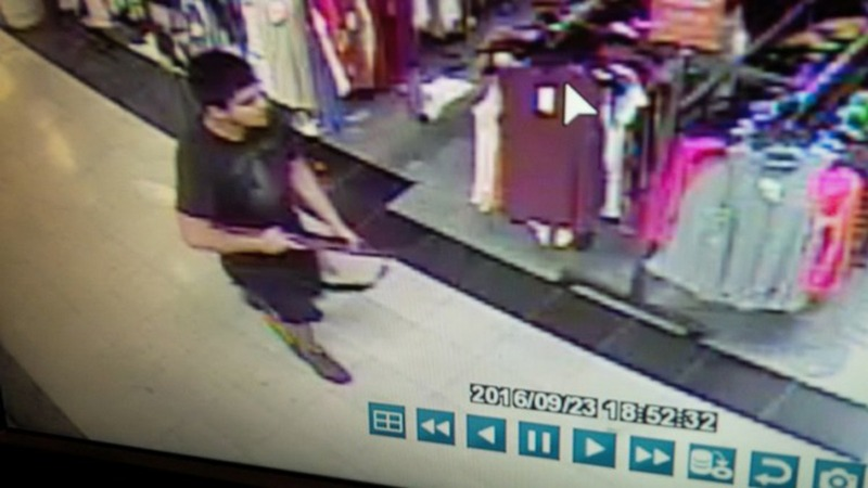 New images of suspect in deadly mall shooting