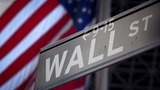 Debate puts White House race on Wall Street agenda