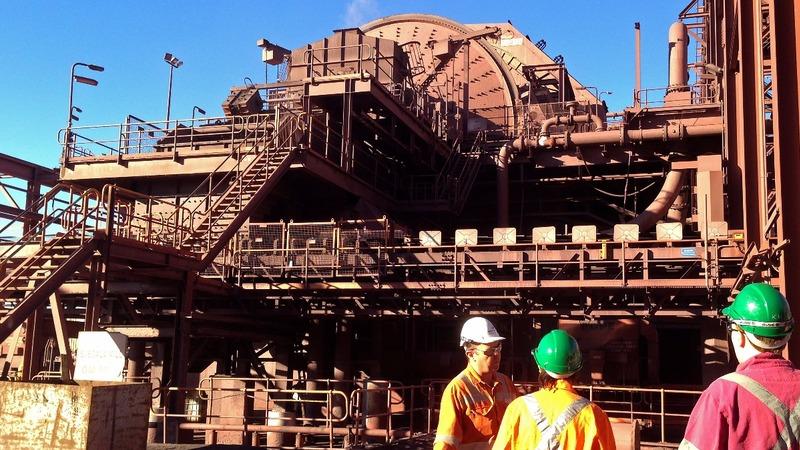 Blackout shuts down major Australian mines