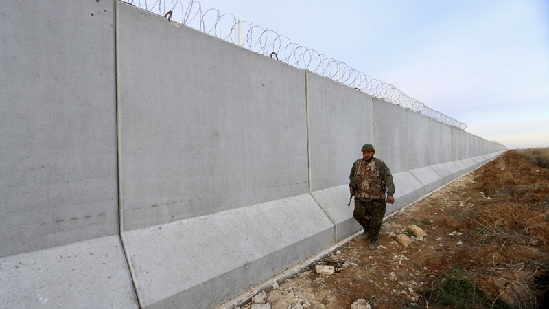 Turkey to build Syria border barrier