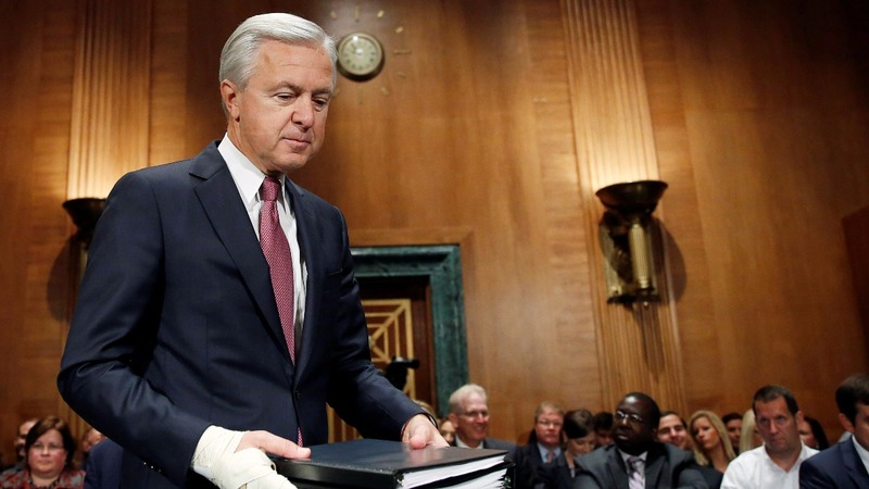 Wells Fargo's CEO accused of dumping stock