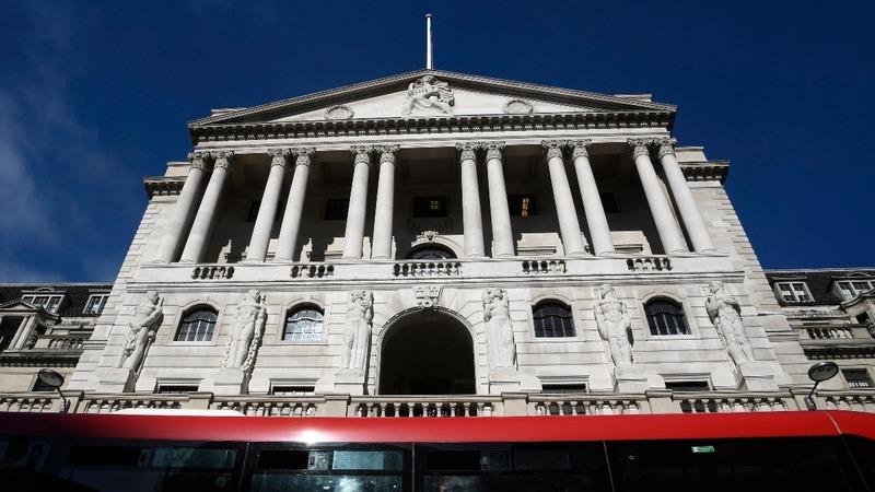 UK services bounce back despite Brexit