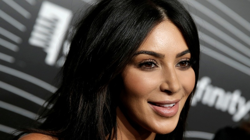 Kim Kardashian robbed by gunmen in Paris