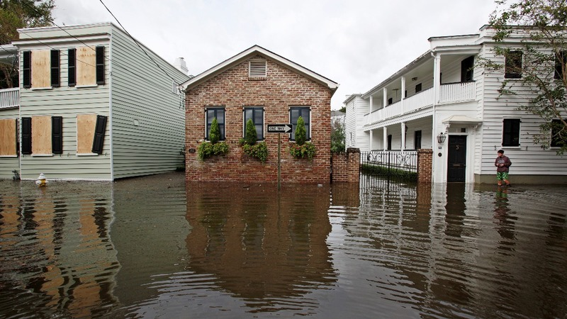 Matthew soaks Carolinas as Floridians return home