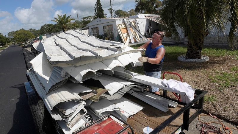 U.S. southeast cleans up after Matthew