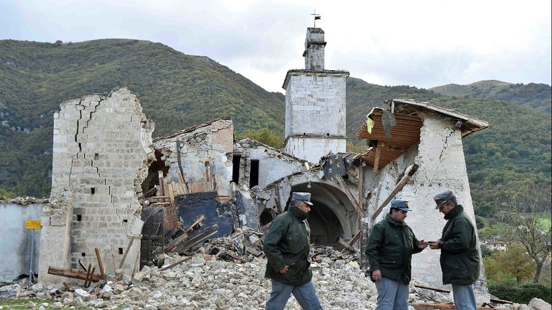 Dawn reveals damage from Italy quakes